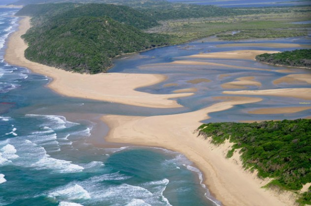 Kosi Bay Mouth at Utshwayelo Lodge